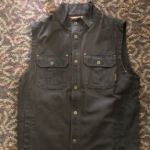 Legendary whitetails vest